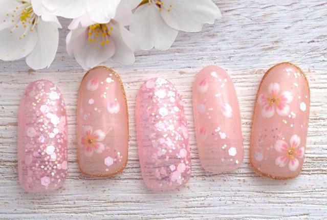 指先から春を呼び込む桜ネイル♡